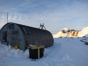 Barron Saddle hut